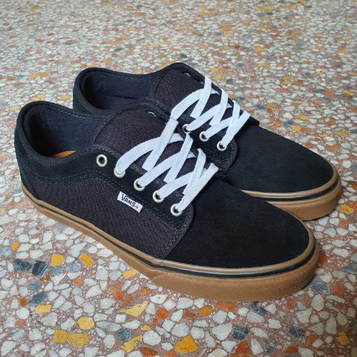 Vans - Chukka Low Pro - Shoes - Black