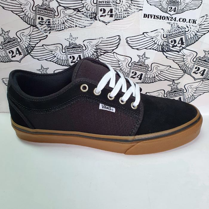 Vans - Chukka Low Pro - Shoes - Black/Black/Gum